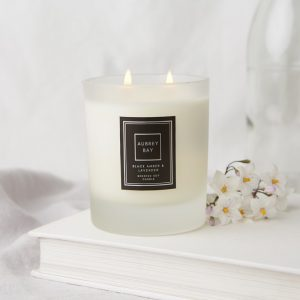 Black Amber and Lavender Candle